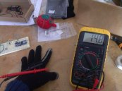rękawice ochronne i narzędzie pracy